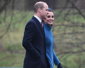 עם כיסוי ראש: קייט מידלטון במעיל ששוויו 14,000 שקל